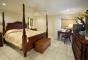 Hotel Crystal Cove Beach Resort