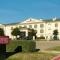 Hotel Comfort Suites Near Alliance