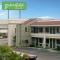 Hotel Bakersfield Inn & Suites