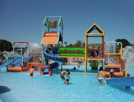 Entradas parque acuatico aquopolis cullera aquapark valencia for Piscina villanueva de la canada